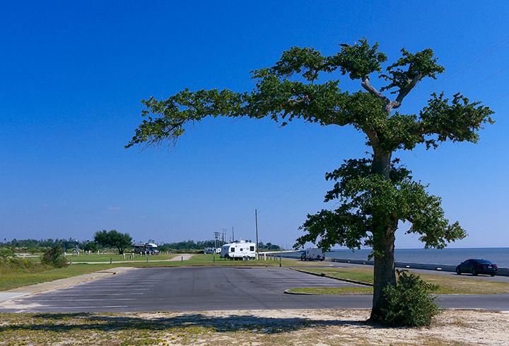 The park has 70 waterfront w/e campsites.